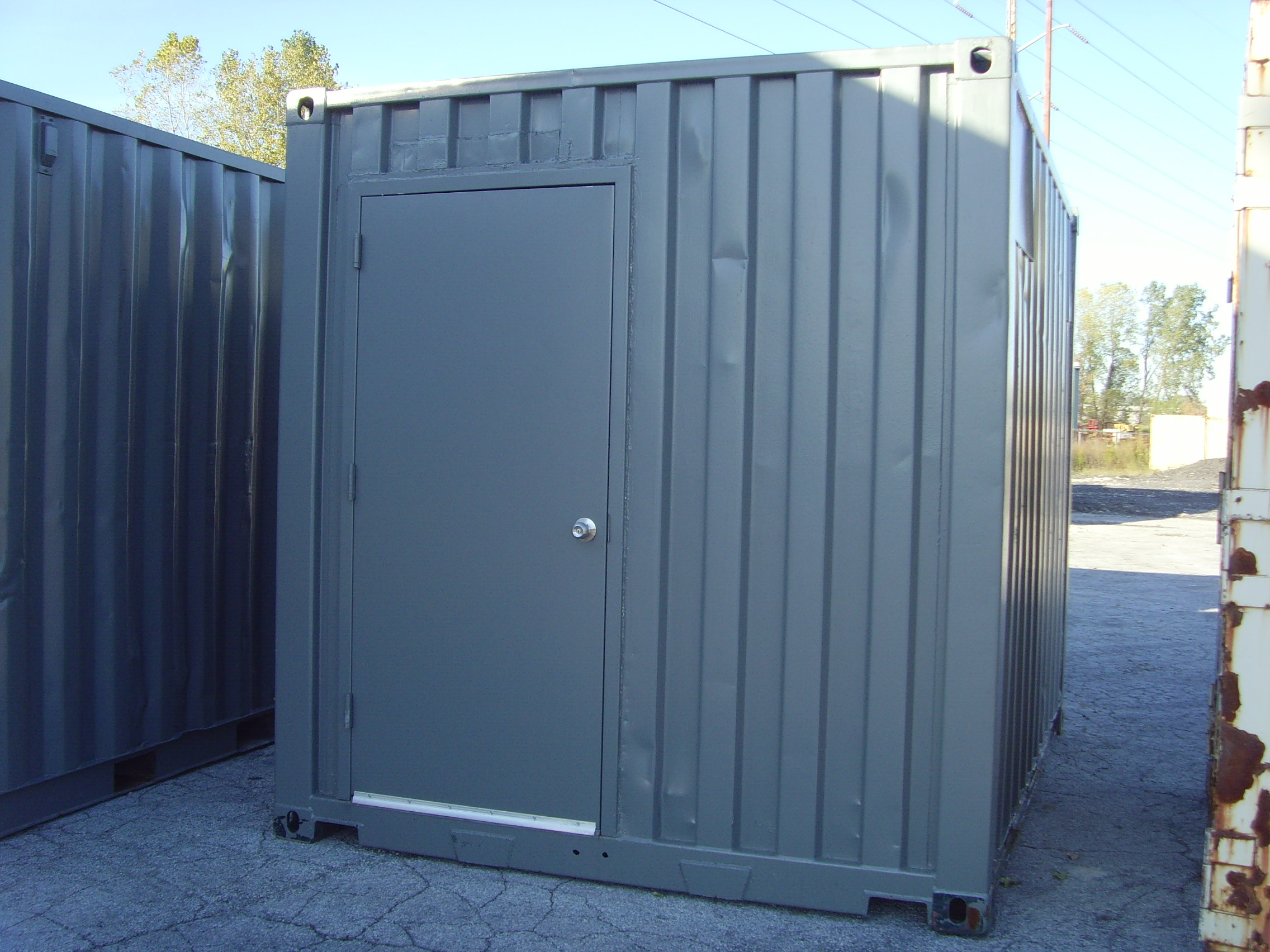 10' container with man doors