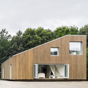 Pre-fab 3-container home