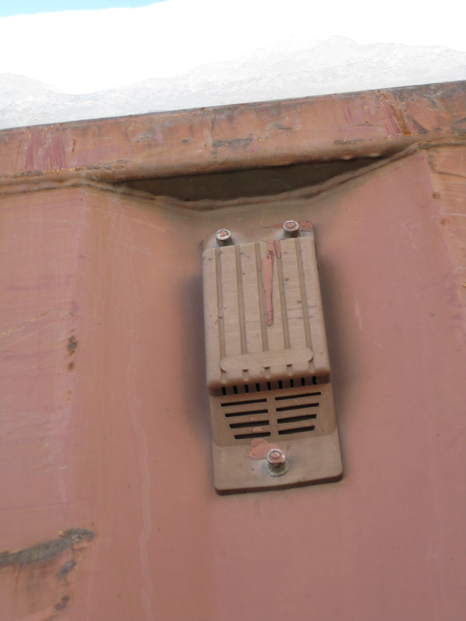 Container vent - outside.JPG