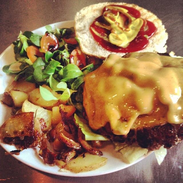 pai-torino-hamburger-fridayburger.jpg