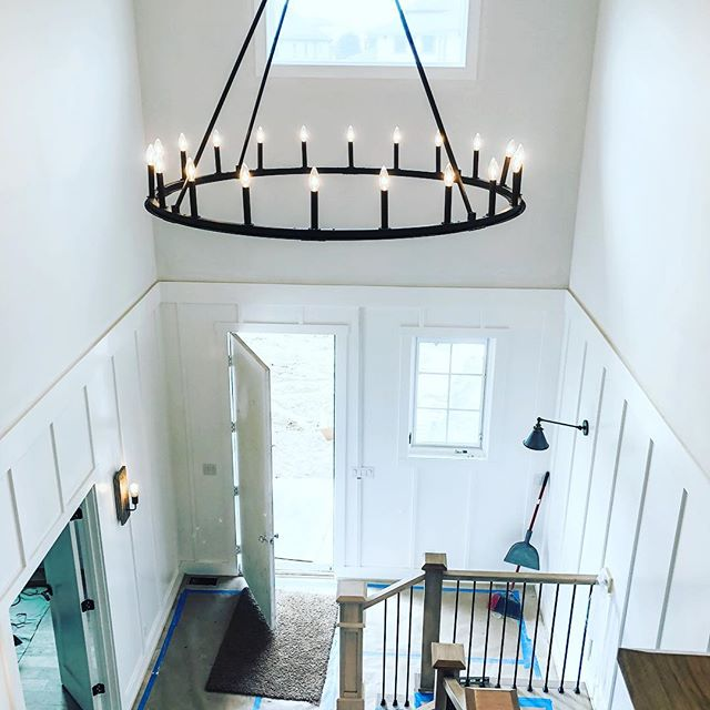 Client new construction lighting install! Swipe left to see how it got there. Hint...a very tall ladder😉 @pearsonandcompany @landmarkperformancehomes  #lighting #newconstruction #boardandbatten