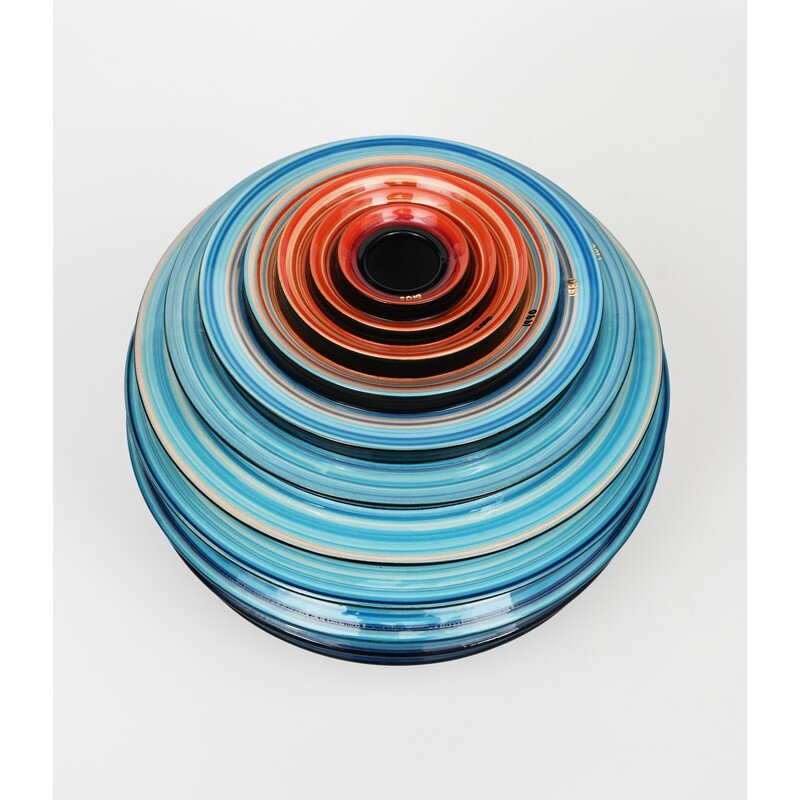 Vase inspired by warming stripes