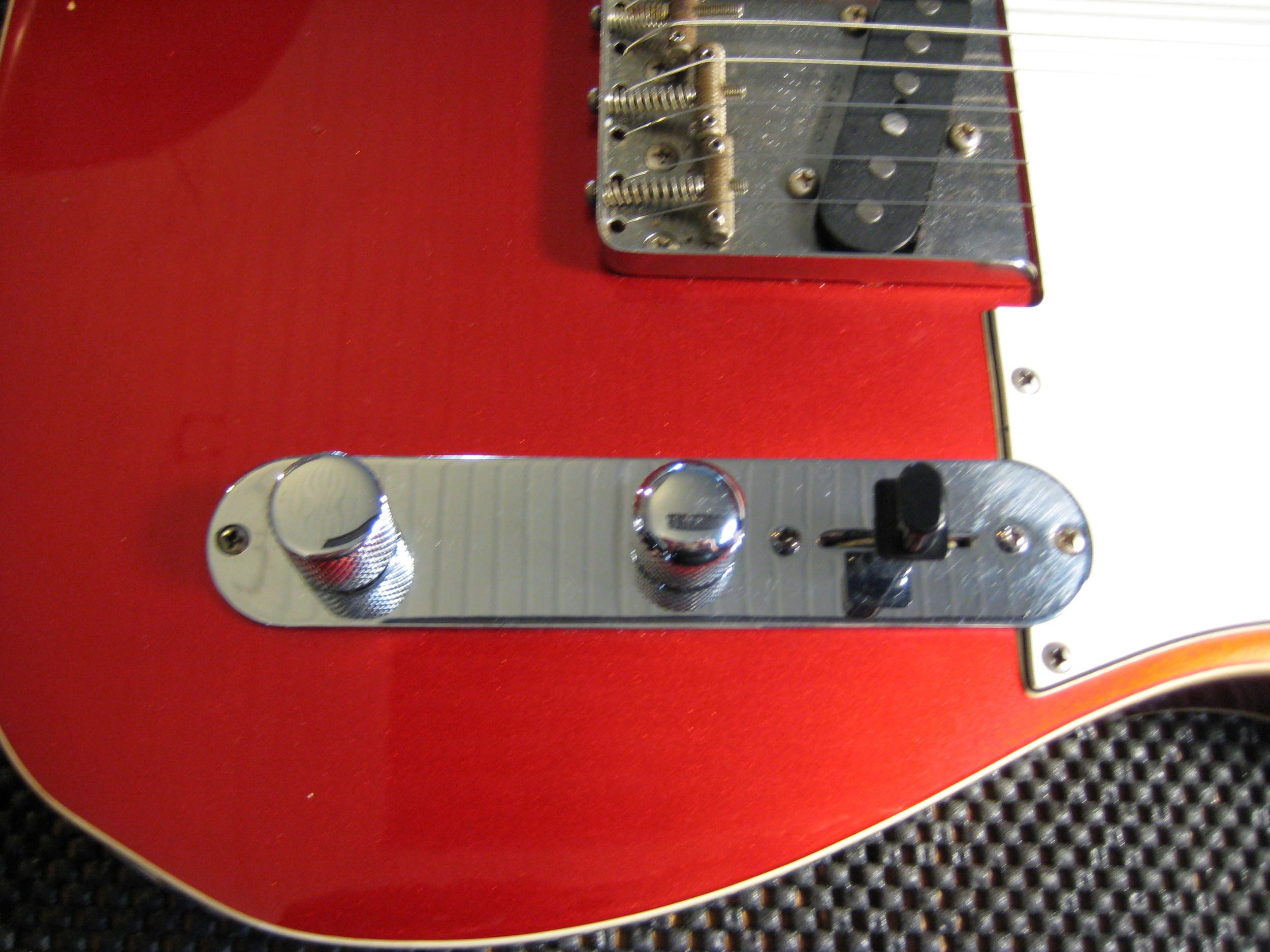 Tone, Volume, Switch (Bridge, B/N Parallel, Neck)