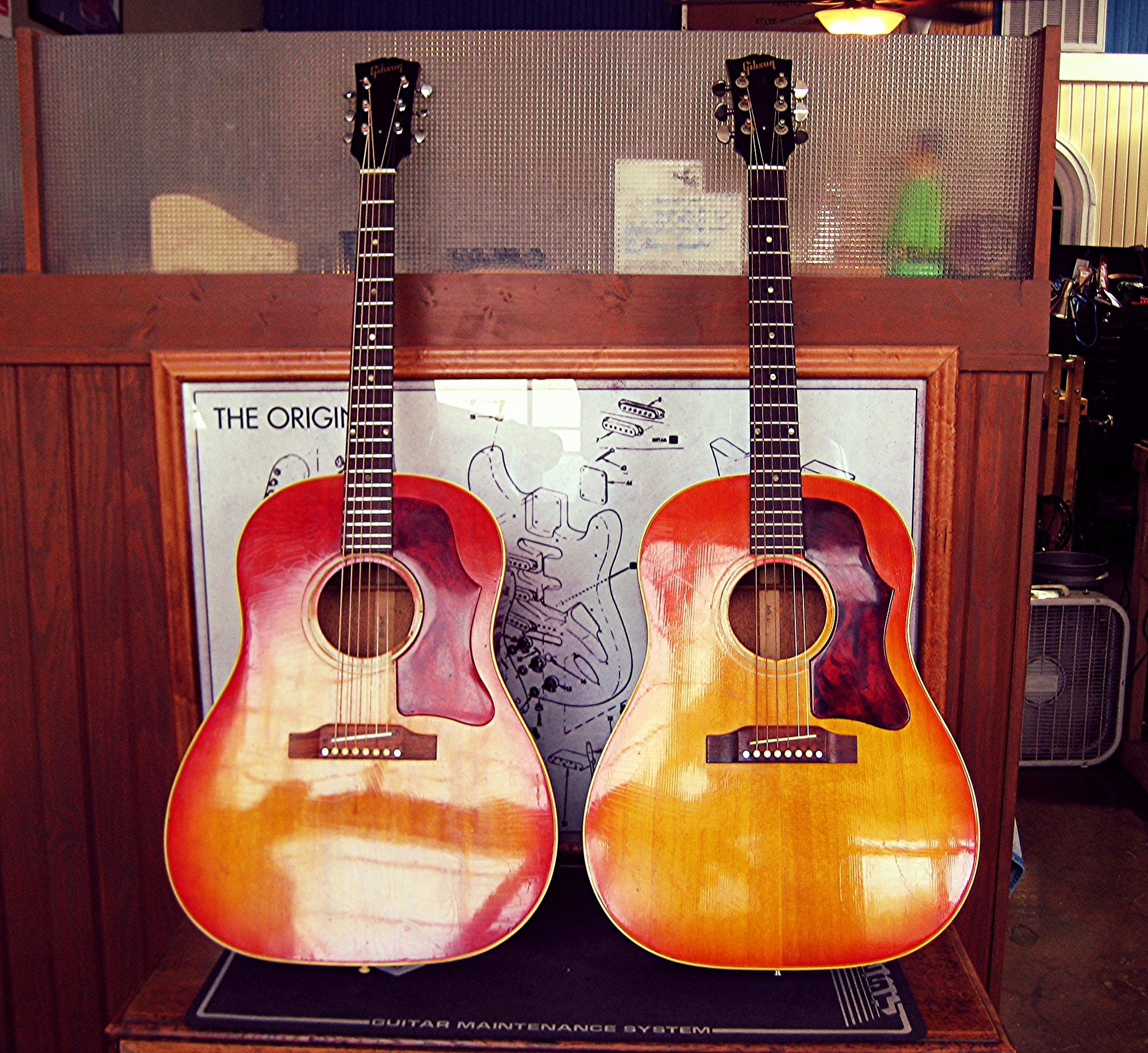 Couple a' lookers: Gibson J-45's