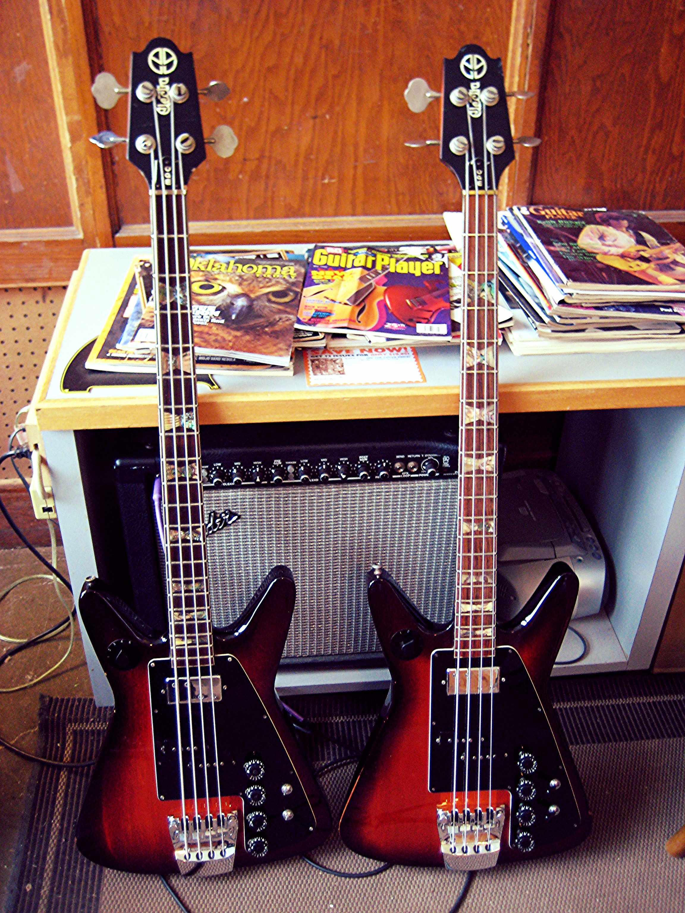 Freaky Space Sisters: Electra MPC Bass