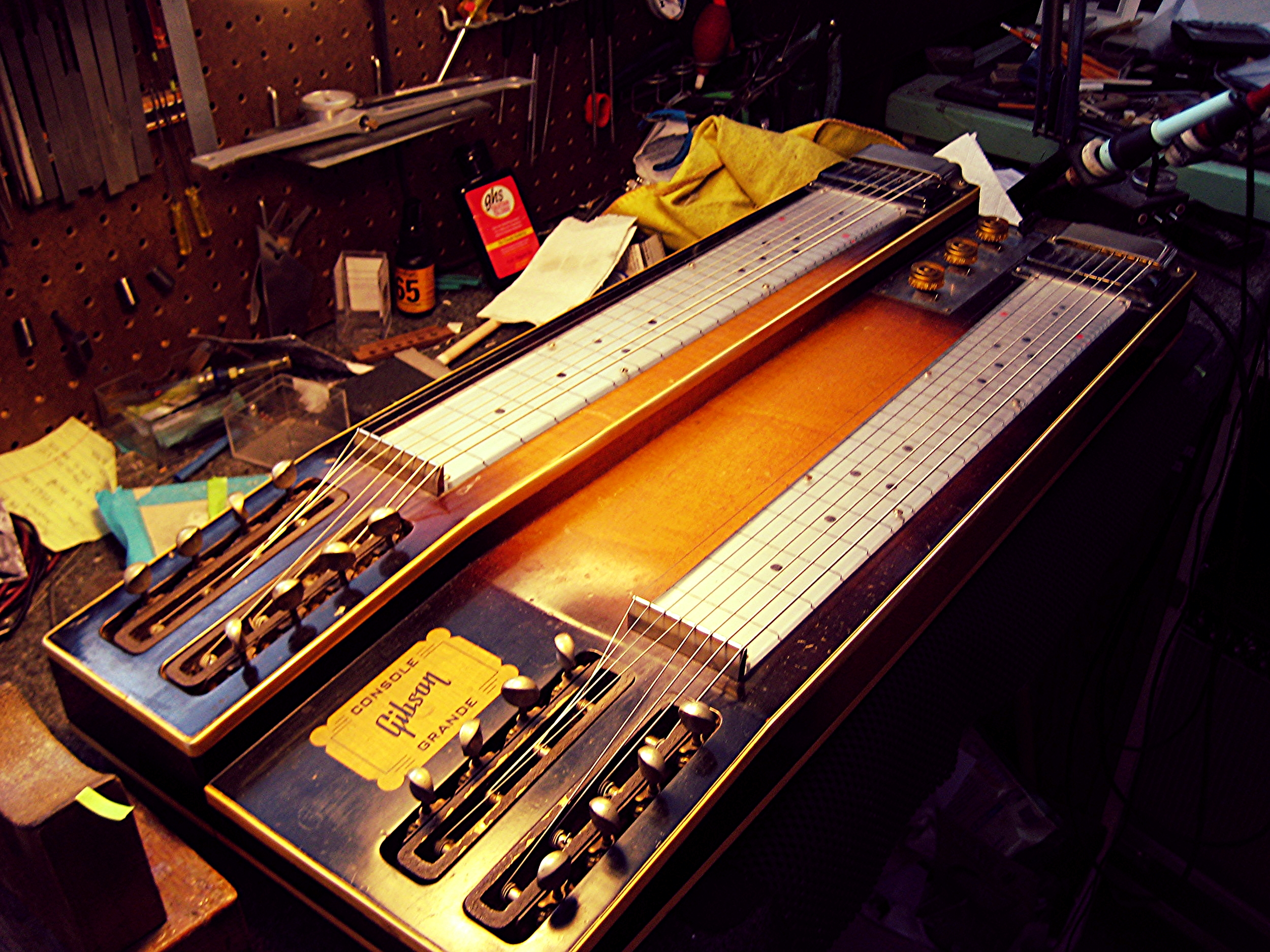 Conjoined twins: Gibson double neck console steel
