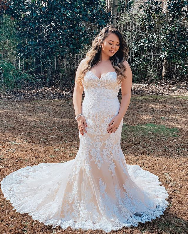 We love being in love 💖... Our BLAINE gown | a stunning lace dress with a sweetheart neckline • Come shop with us! Call us to schedule your appointment. ☎️ 678-205-8888 Follow us @aformalaffairga to see more exclusive styles! • #bridalinspiration #summerwedding #bridestyle #vintagewedding #outdoorwedding #weddinggoals #fallwedding #luxuryweddings #weddingchicks #springwedding #SouthernBride #bride2be #romanticwedding #elegantwedding #bridalshop #rusticweddings #AtlantaWeddings #atlantabride #couturebride #GeorgiaWedding #glamwedding #simplewedding #bridefashion #weddingdressideas #designerweddingdress #RusticElegance #weddingdressgoals #texasbrides #tennessebride