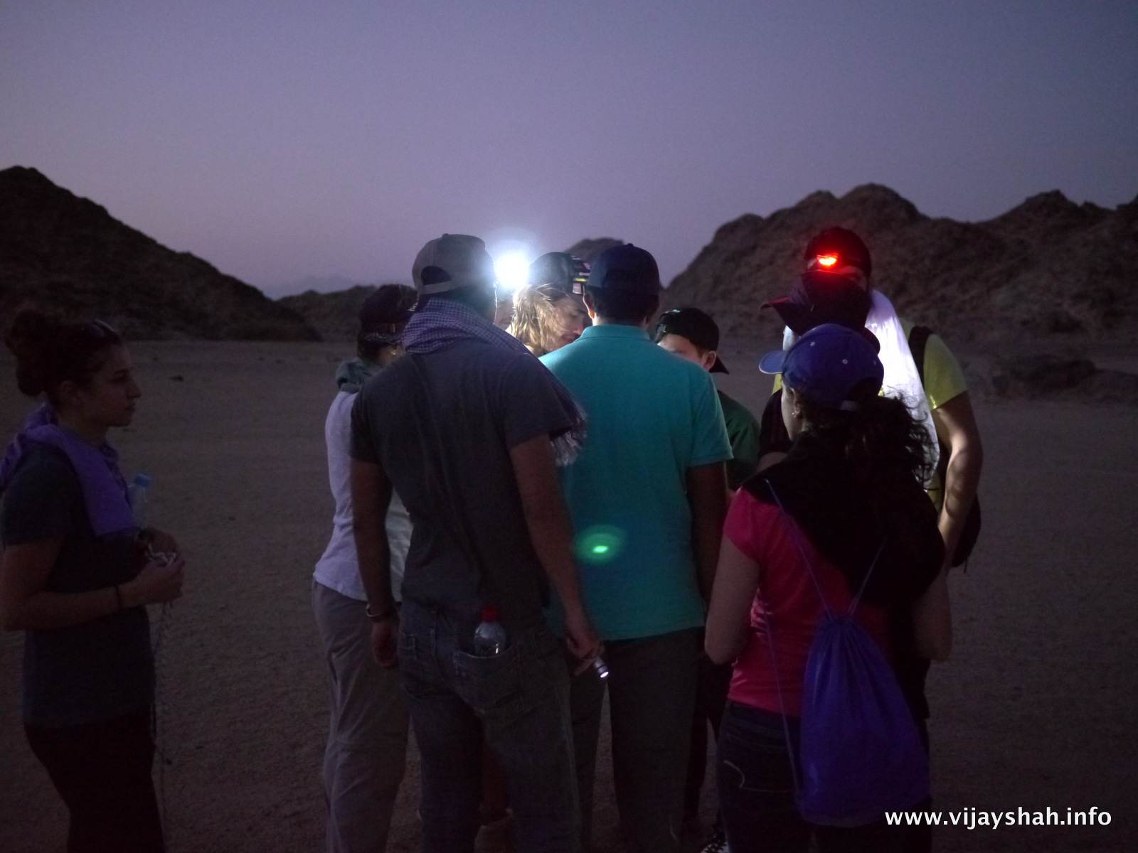 Night navigation in the desert