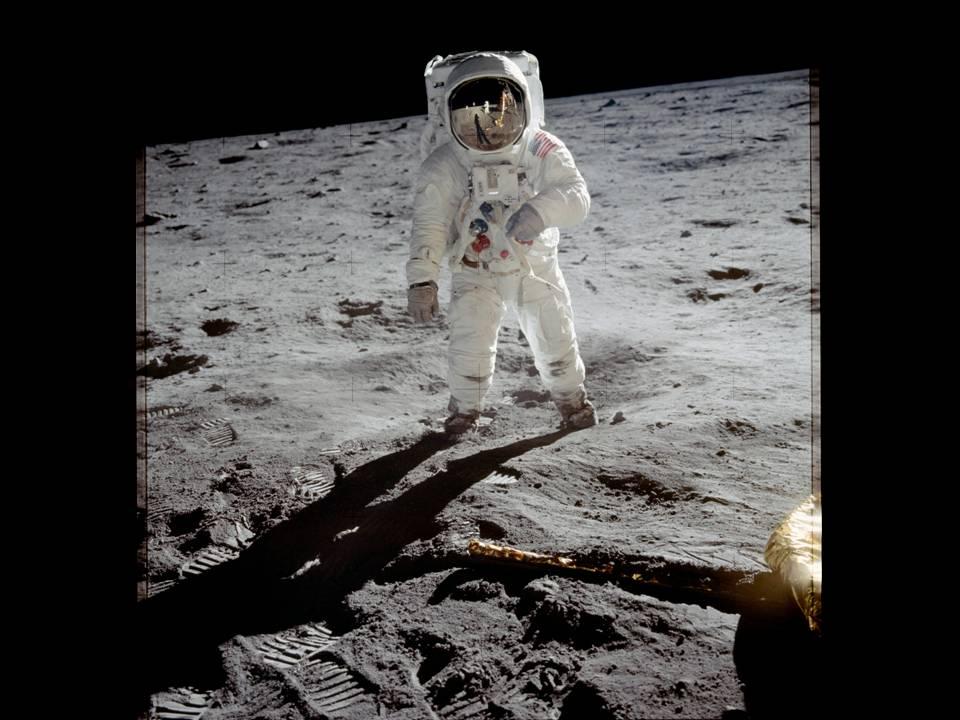 1969 Apollo 11 Moon Landing (Source NASA)