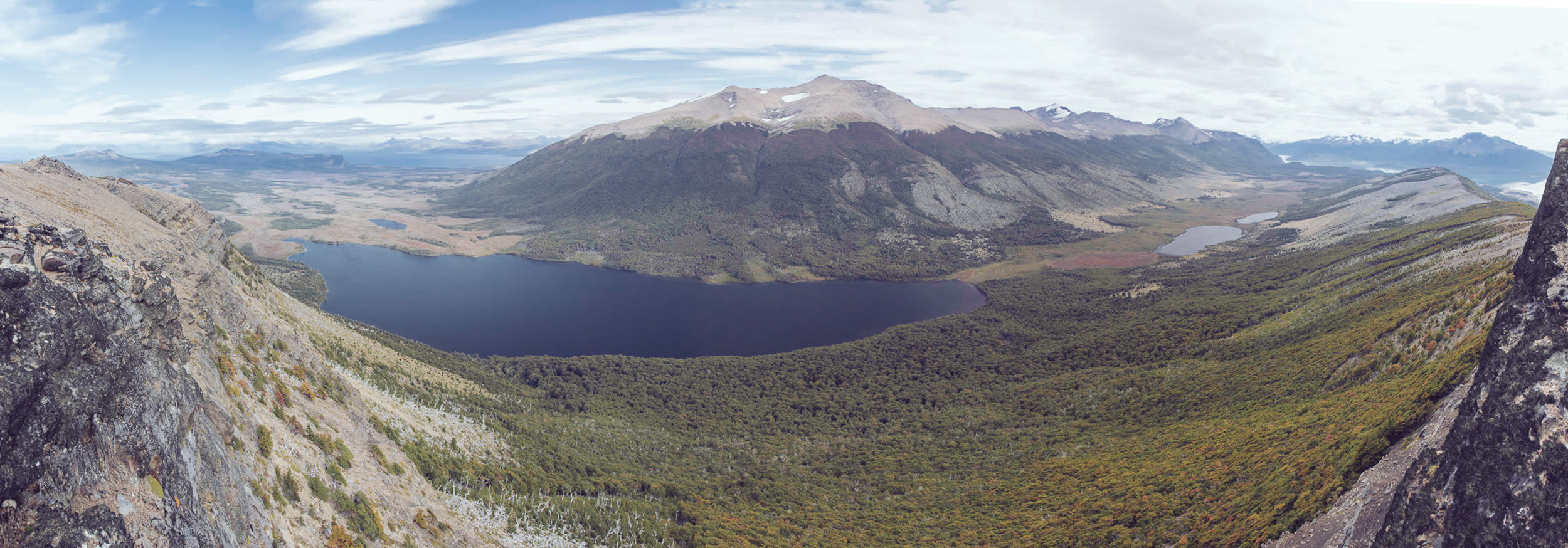 View from the western flank of Cerro Ballena down towards the lagoon.