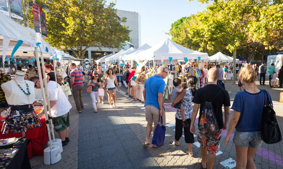 kickstart-market-day_-people-at-market-stalls-912x547.jpg