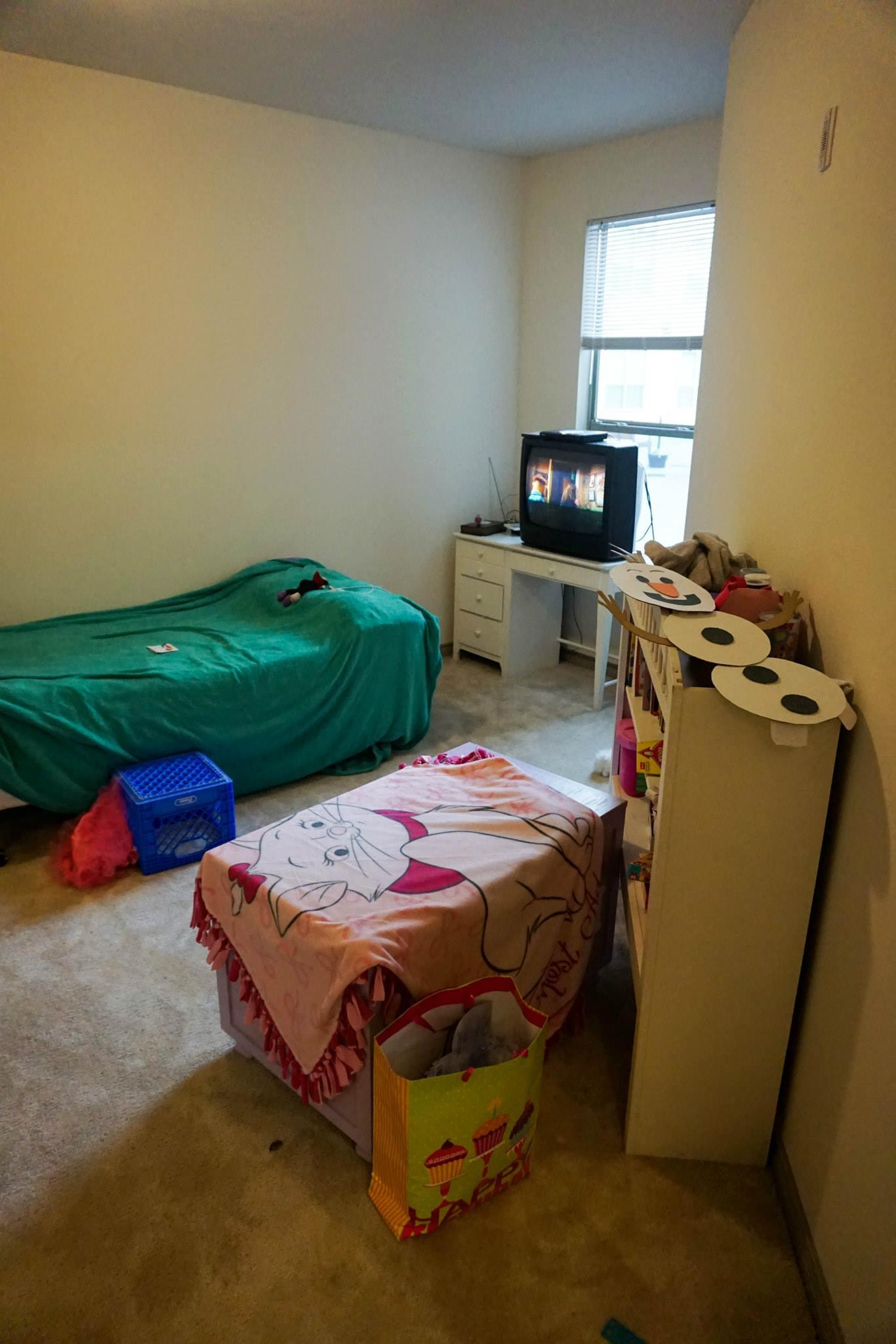 Mariah's Bedroom - before