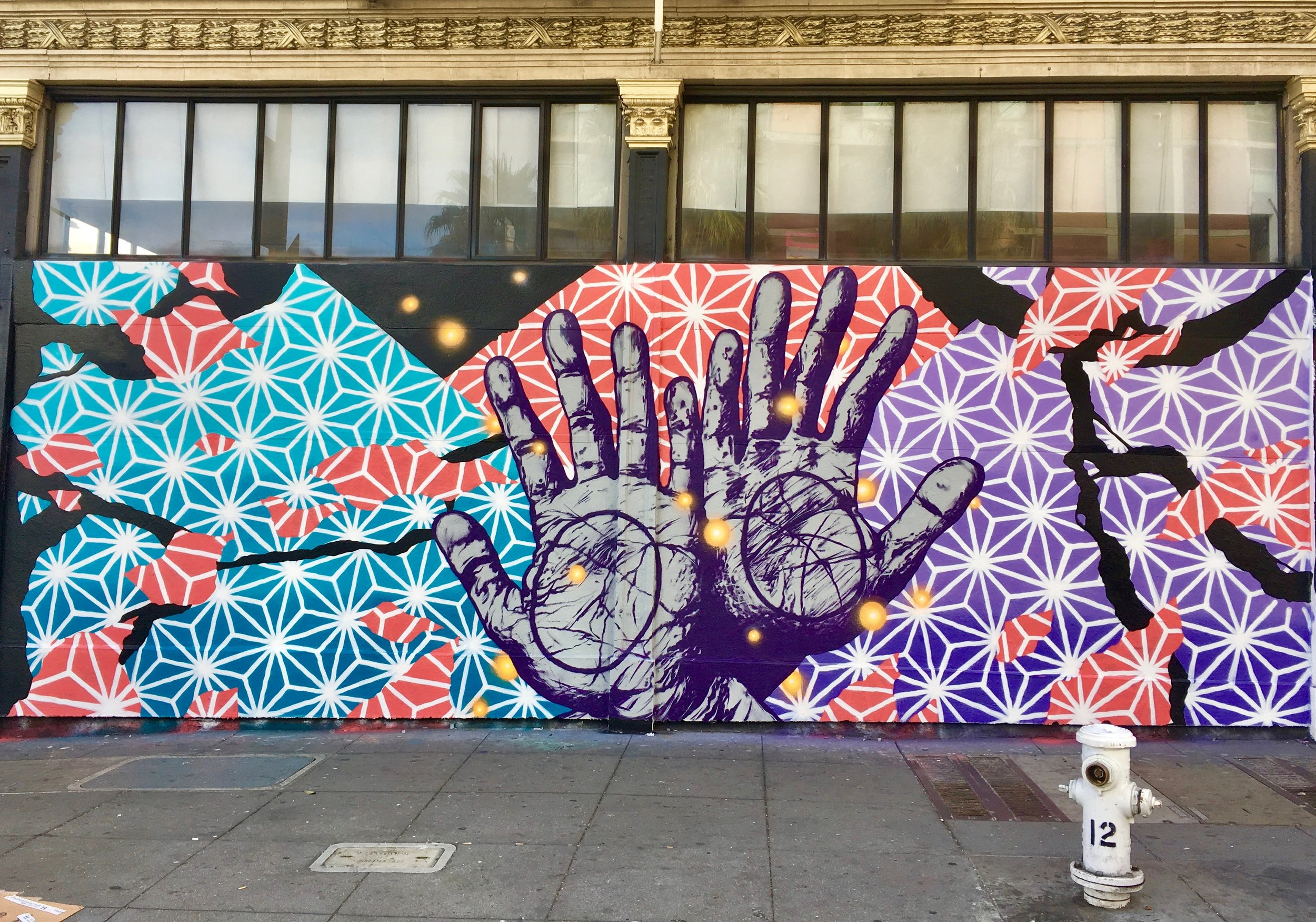 hands 6th and Howard SF