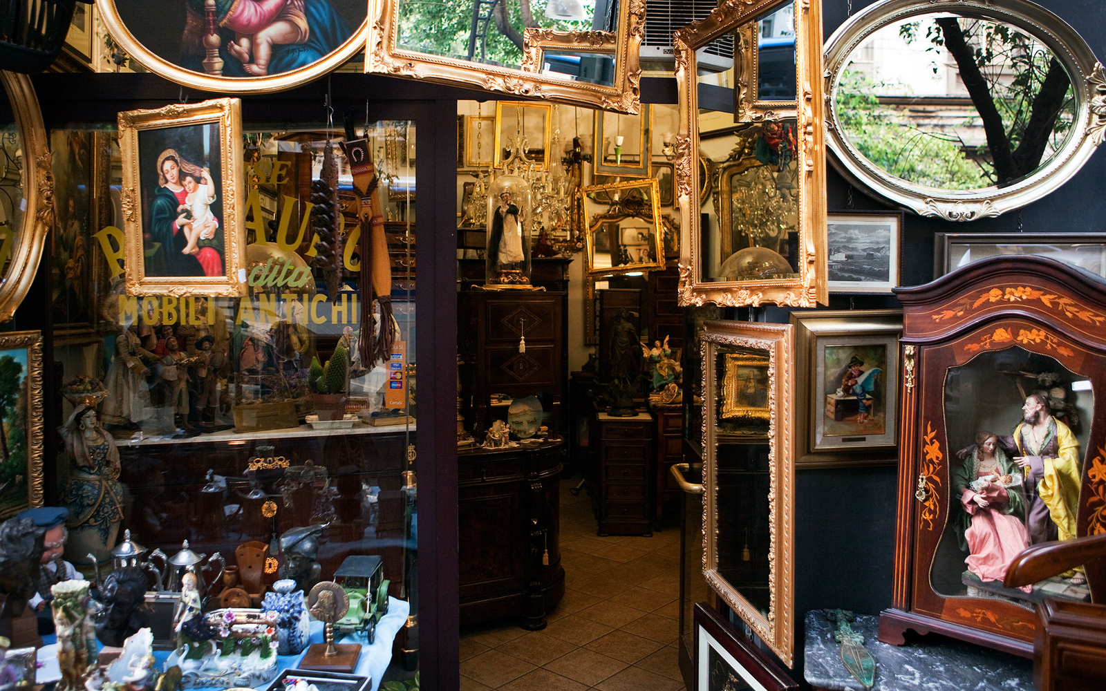 antiques-shop-upstate1015.jpg