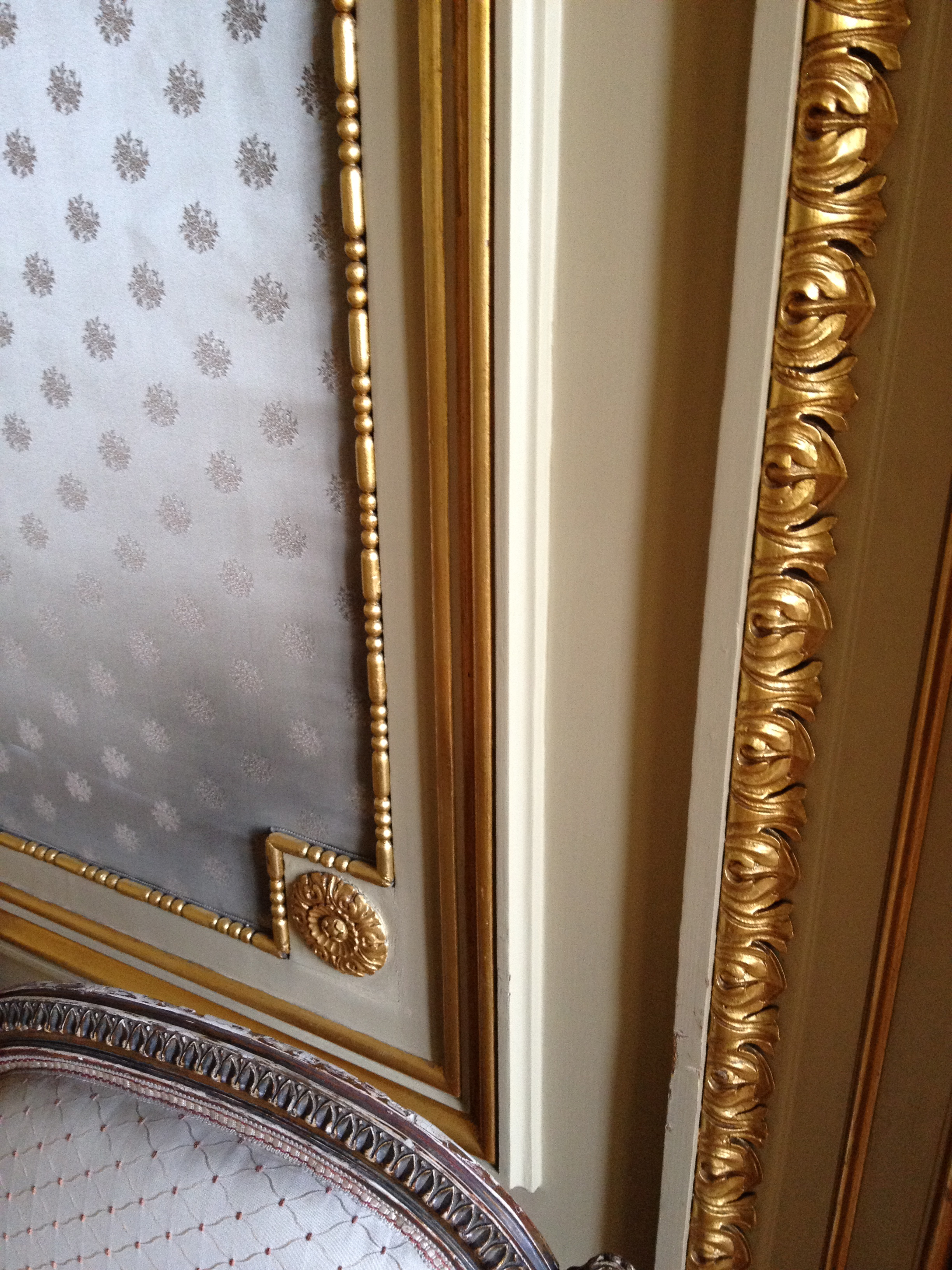 Just look at that Wall Panelling Detail!