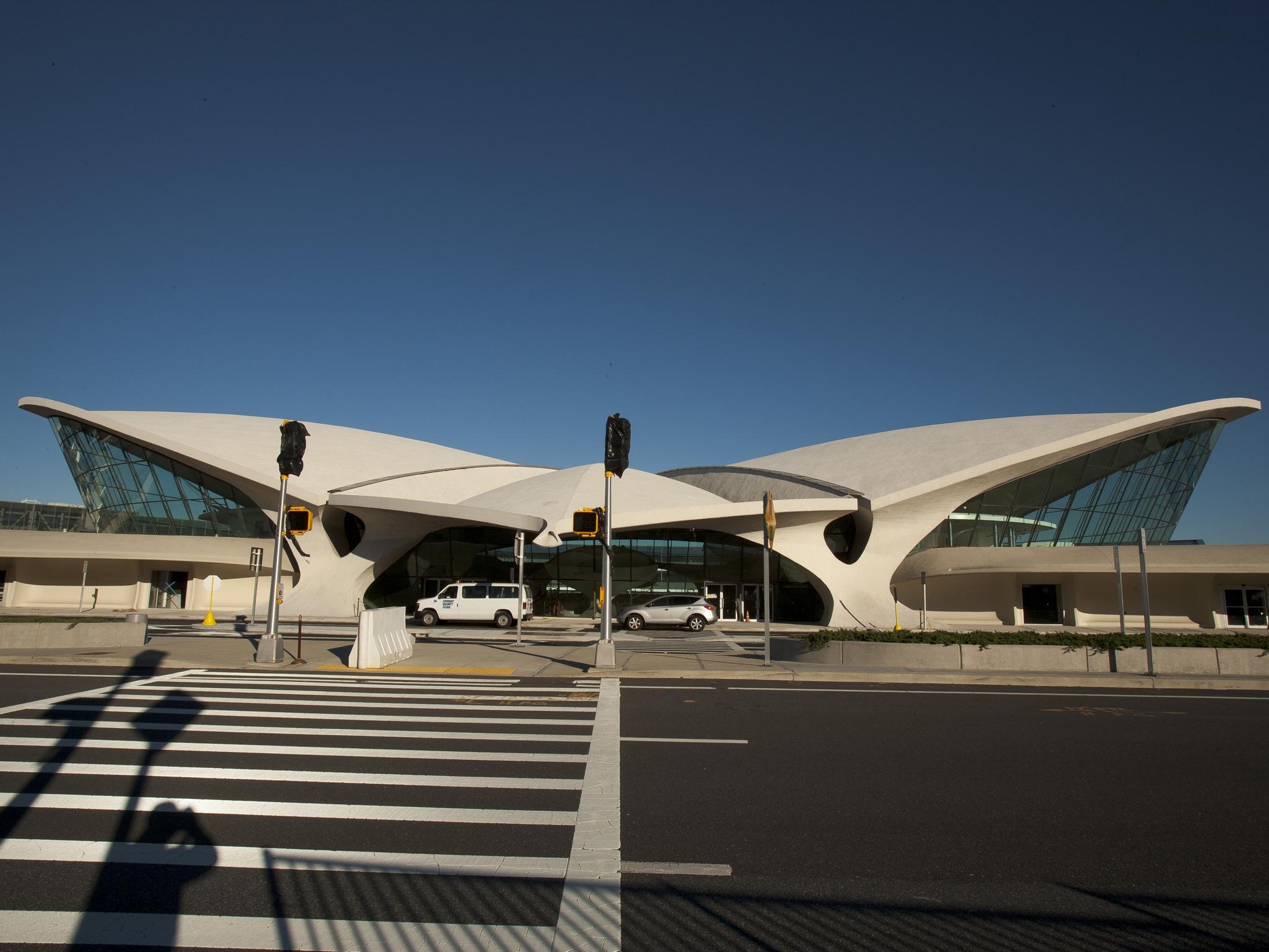 TWA TERMINAL JFK AIRPORT / NYC