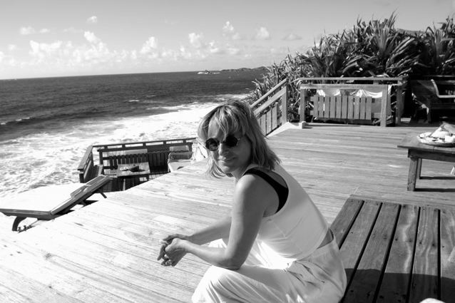 ELLE CONDE MARCH AT THE DECK OF MAISON NOUREEV