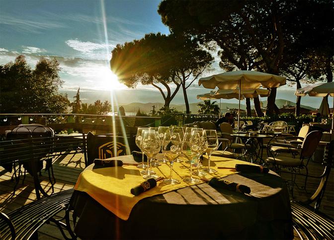 5_tigrr_saint_tropez_terrasse_couche_soleil_credit_laurent_pons_2014-1.jpg