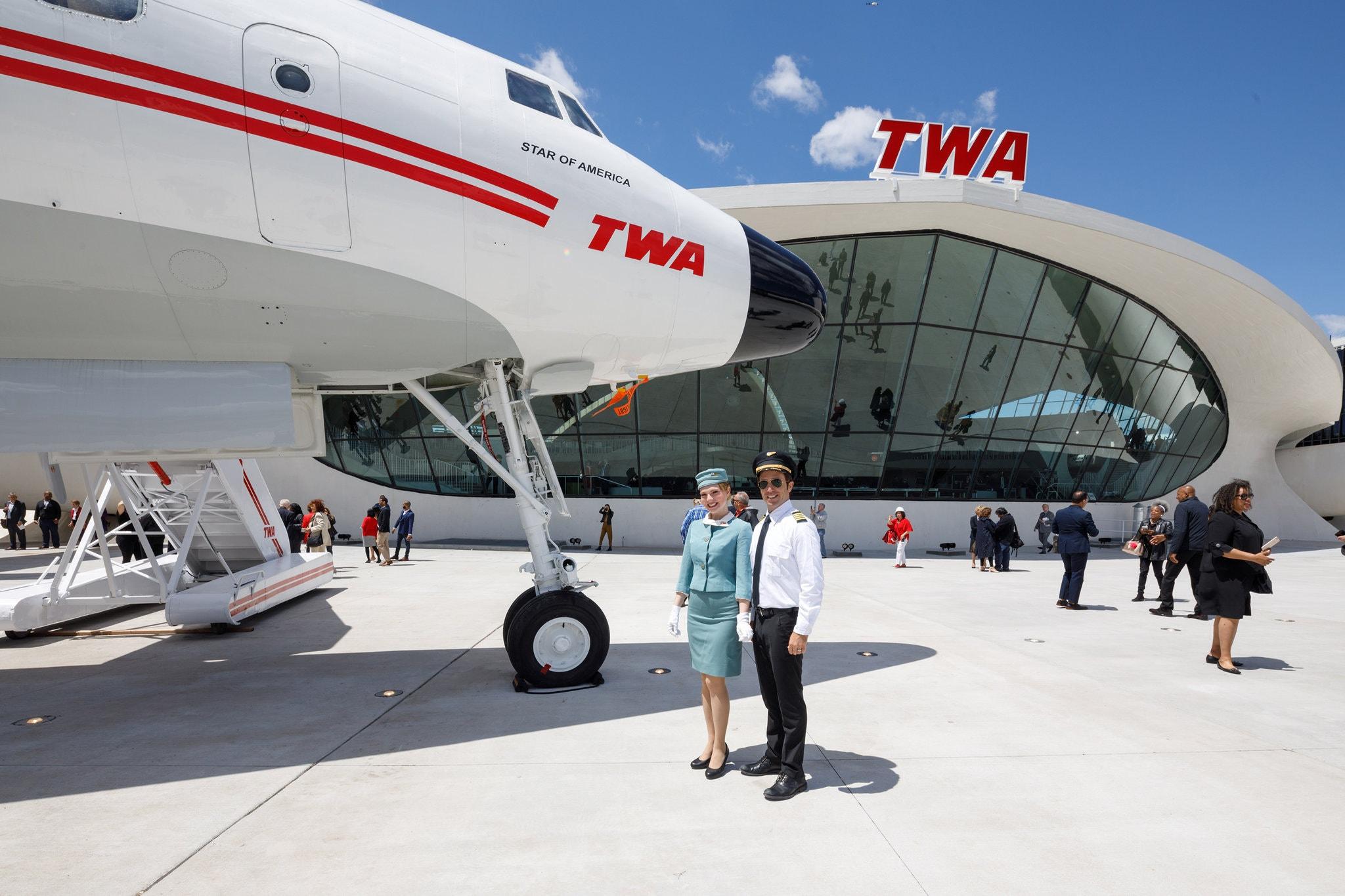 15TWA-HOTEL-slide-VC19-superJumbo.jpg