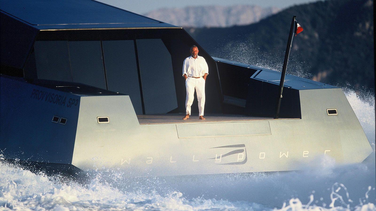 W 118 / CONCEPT SPEED BOAT WALLY DESIGNED BY LUCA BASSANI
