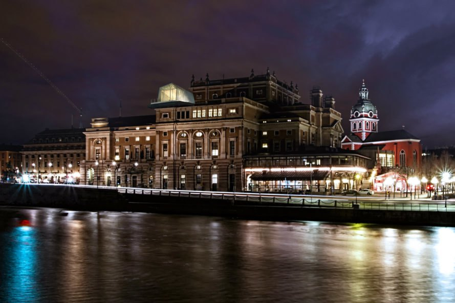 The-Cube-London-Park-Associati-11-889x592.jpg