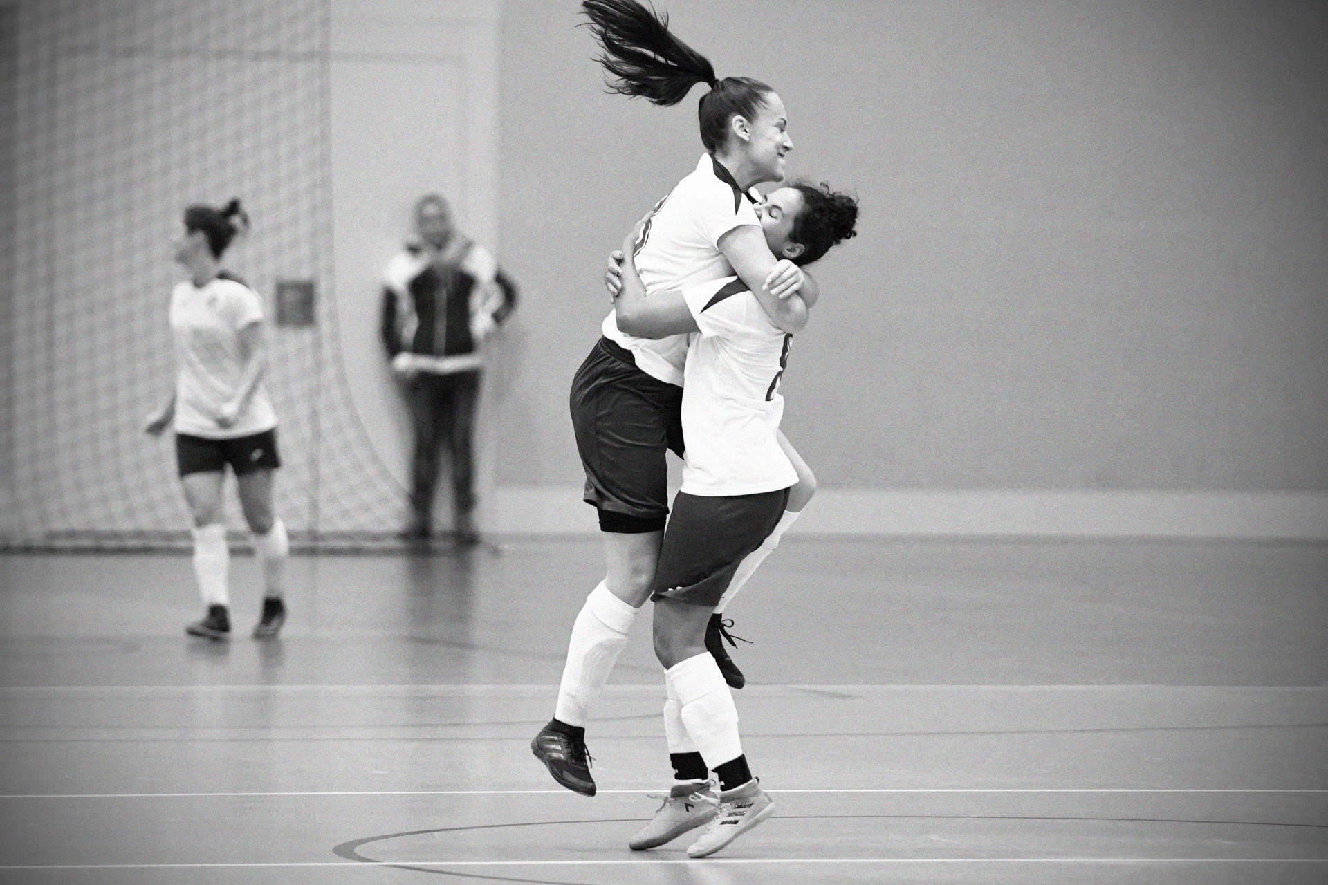 Freude herrscht – die Frauen spielen im Final der Futsal Masters Women's League.
