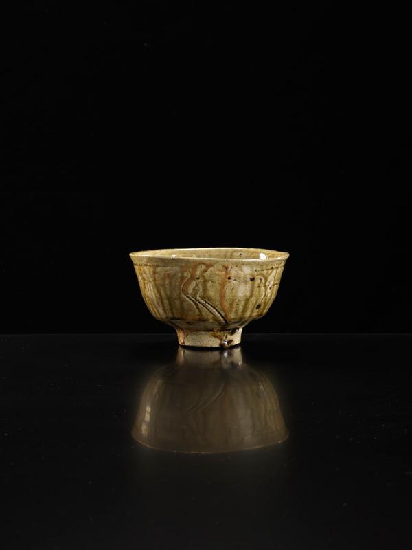 Shoji-Hamada_Chawan_Image-Michael-Harvey-Oxford-Ceramics_01.jpg
