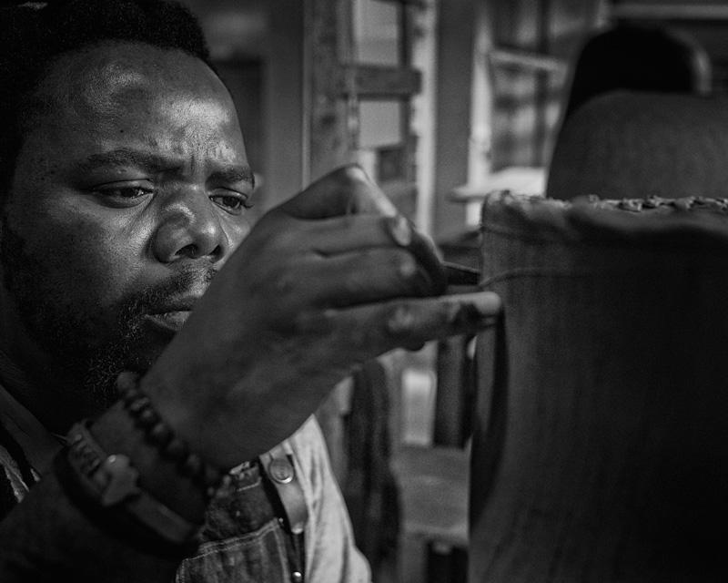 Andile-Dyalvane-Working-at-the-Leach-Pottery_Image-Matthew-Tyas_2.jpg