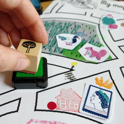 SUN: Have fun stamping and decorating hand-illustrated maps with  Martin Le Lapin.