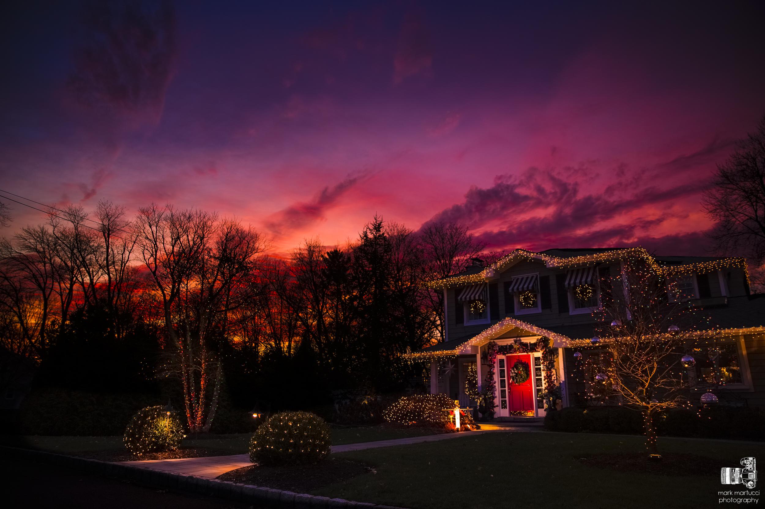 christmas house 2.jpg