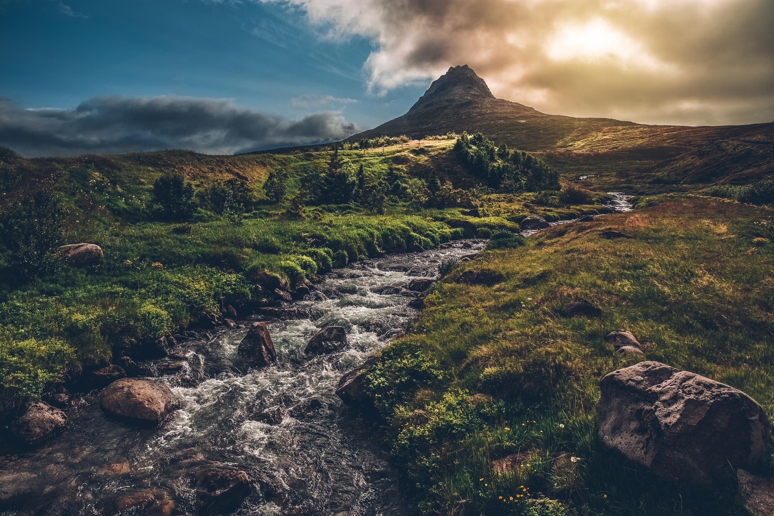 mountain and stream in Súðavík.jpg