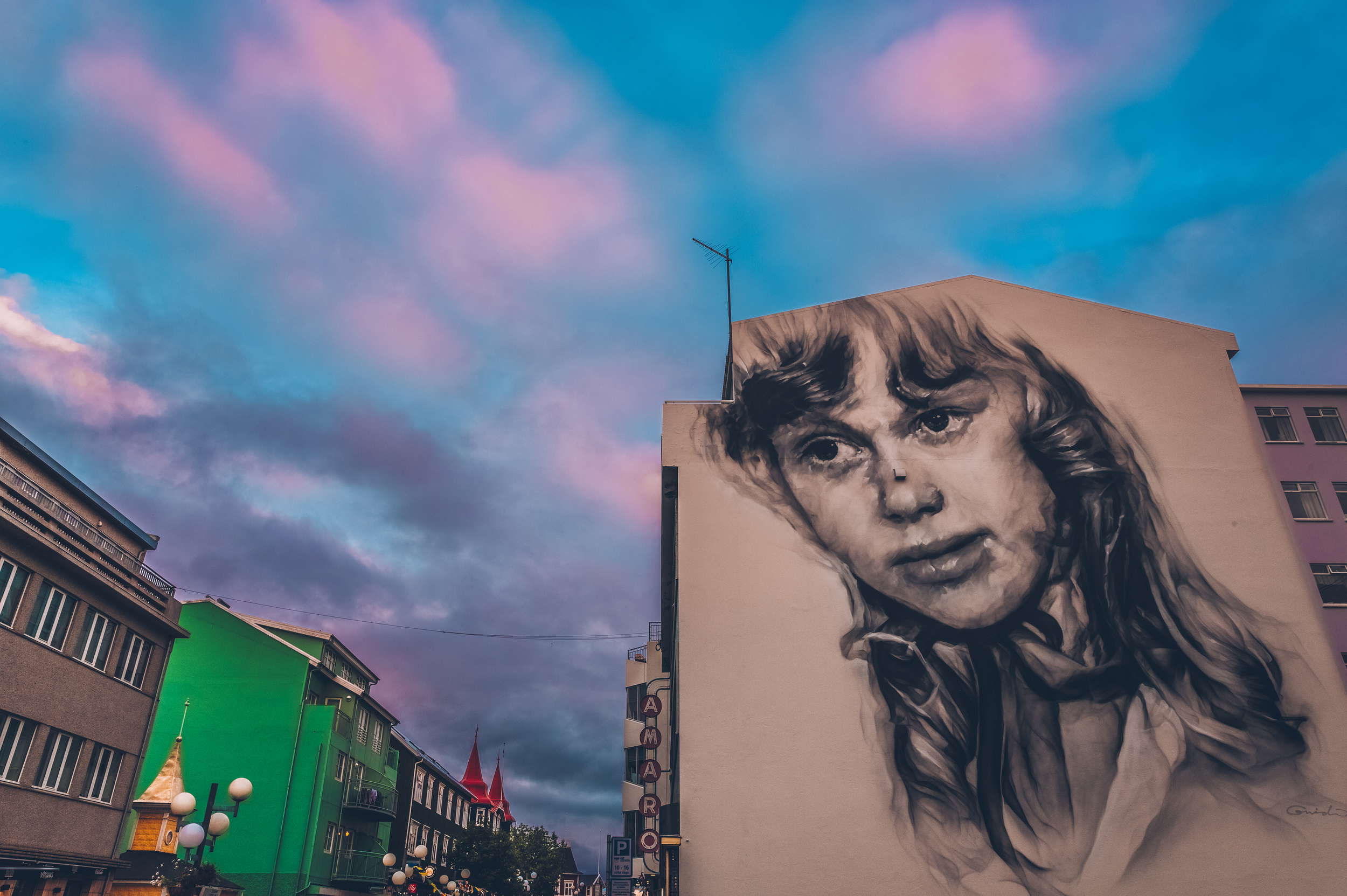 Akureyri downtown.jpg