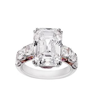 Ring in Platin mit einem Diamanten von 6.58 ct. in der Farbe D und der Reinheit IF.