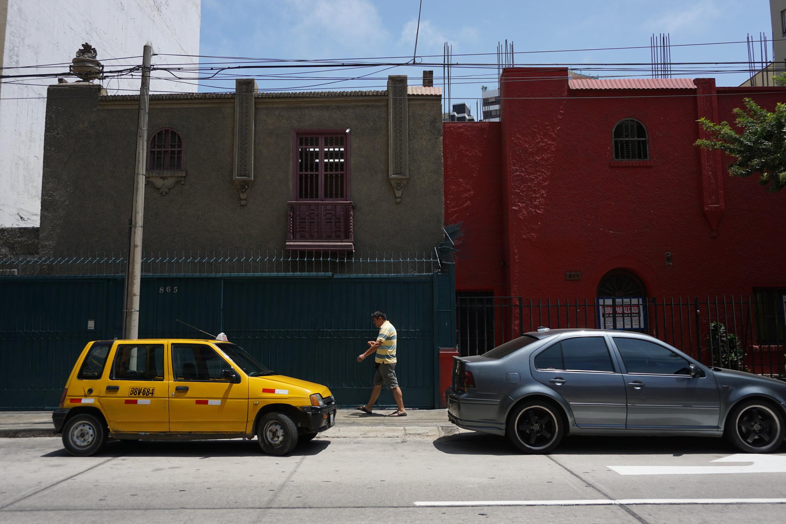 Streetscape, Miraflores district.