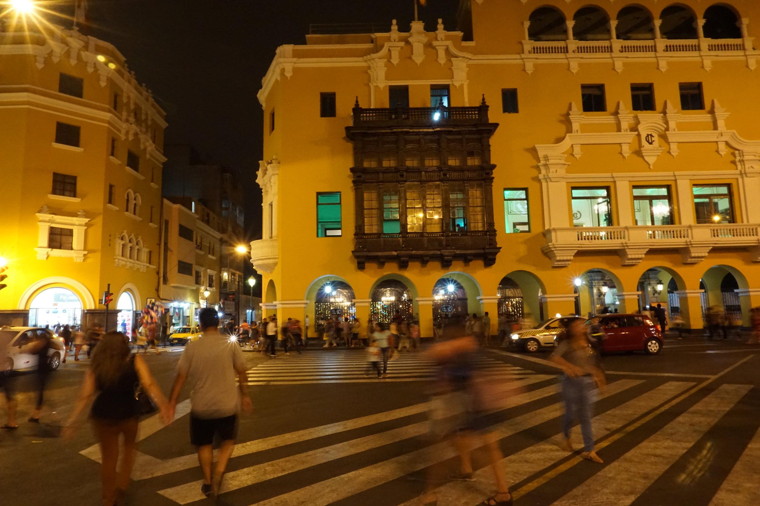 Nightlife, Plaza Mayor