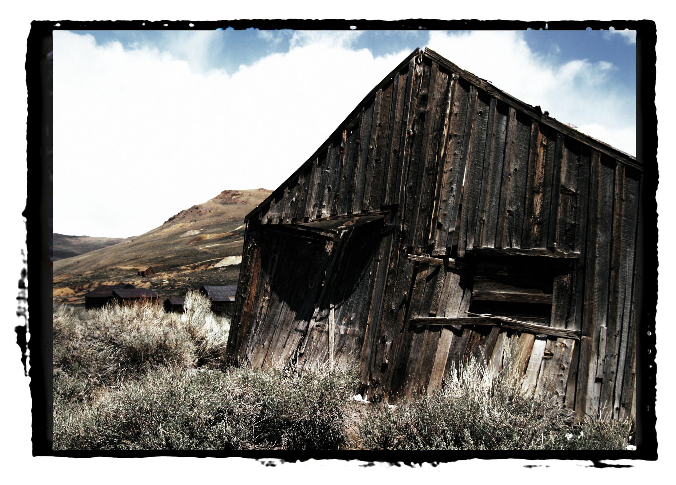 leaning house.jpg