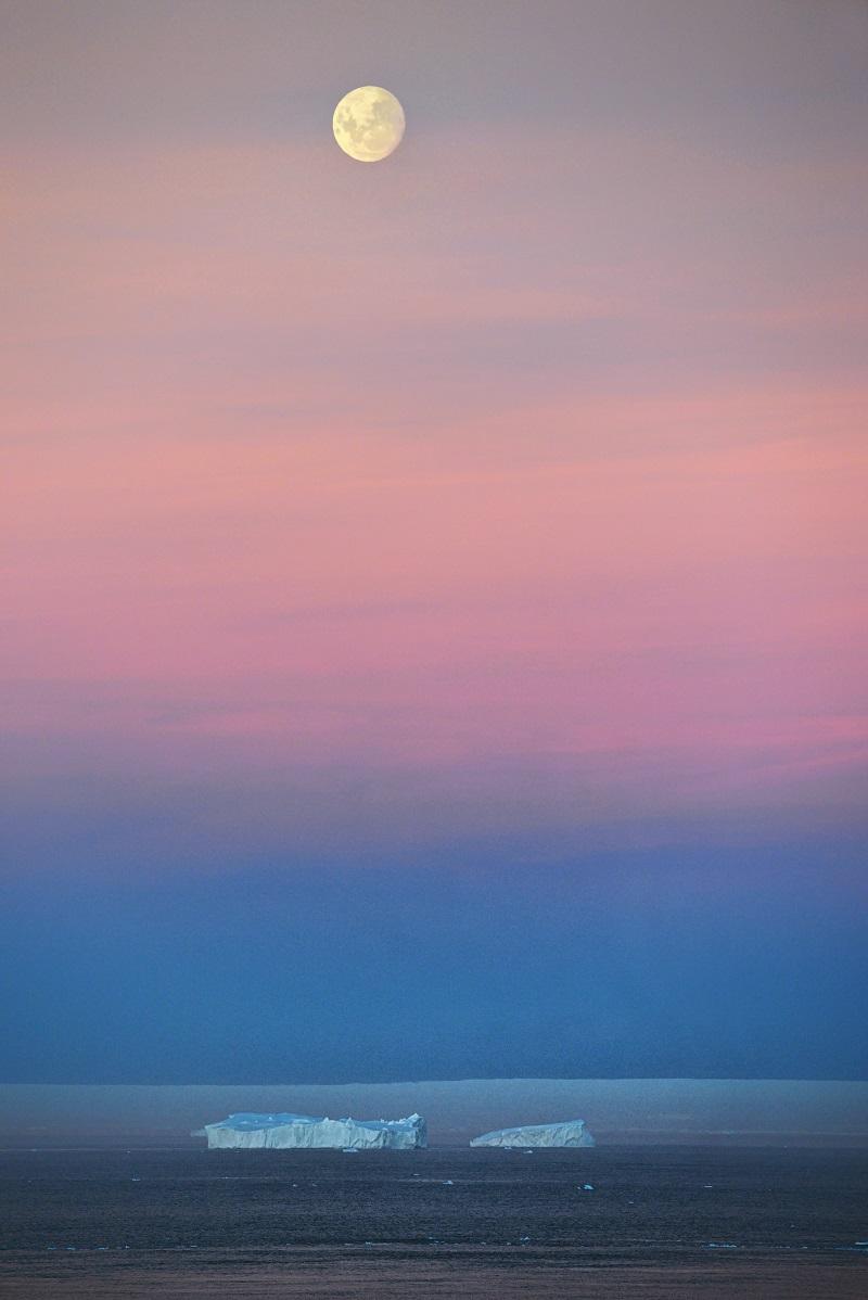 Iceberg Moonrise (2).jpg