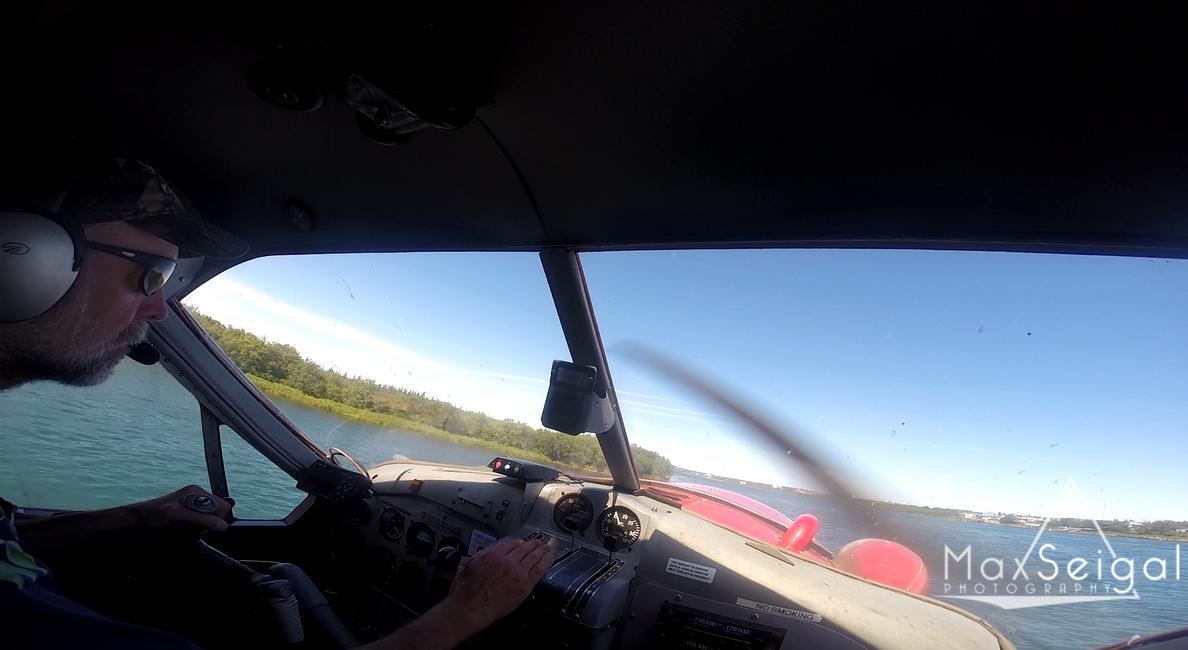 Landing in a float plane... Fun!