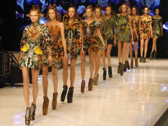 072825-alexander-mcqueen-fashion.jpeg