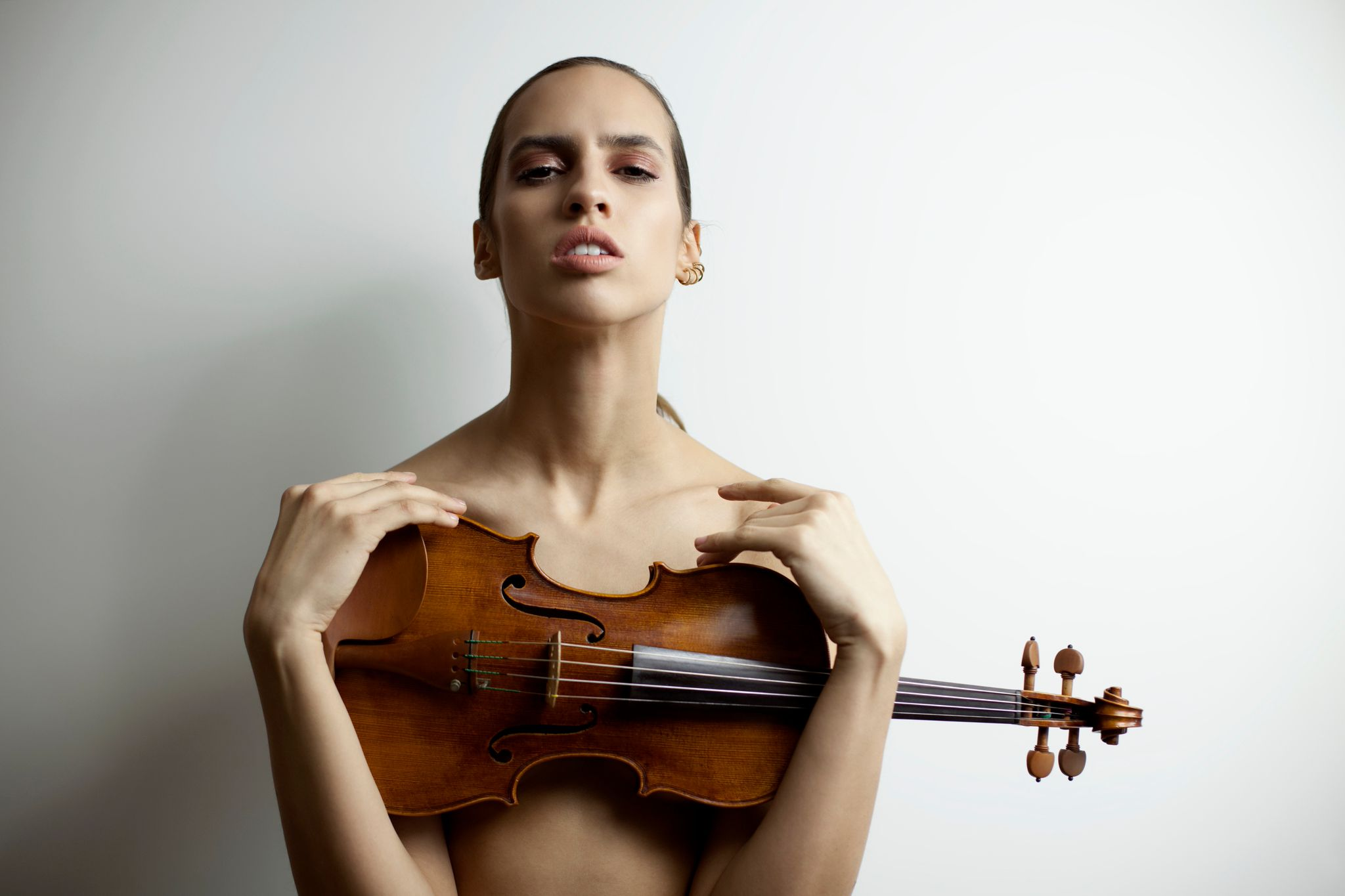 Stephanie Rogue with her own violin
