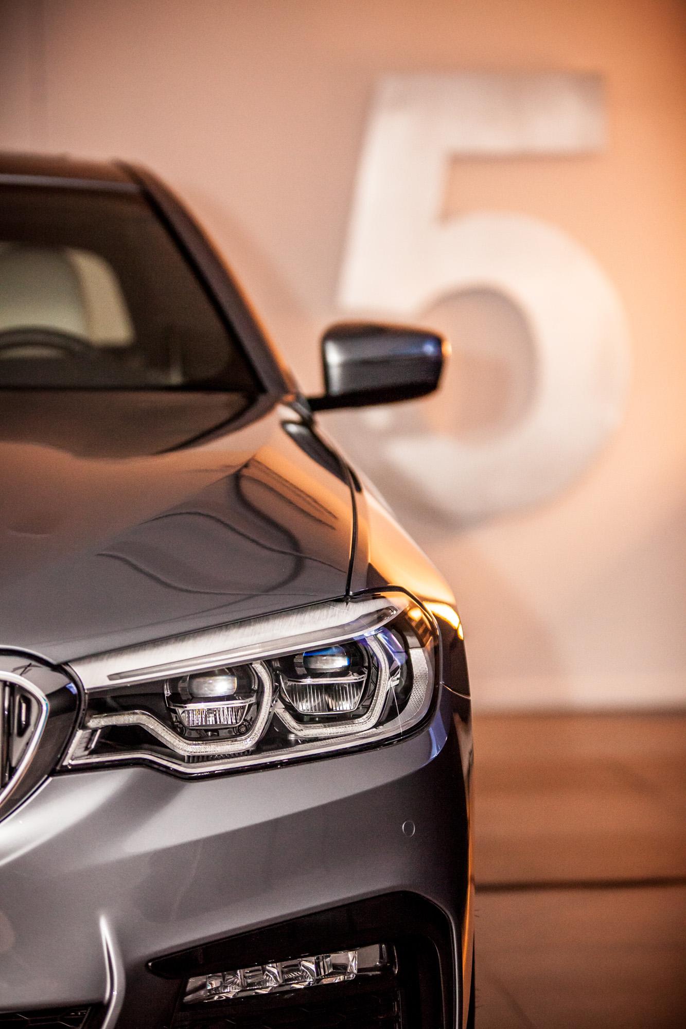 STERCK_lancering BMW 5-84.jpg