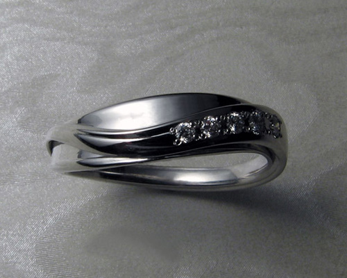 Ladies band for, free-form engagement ring set.