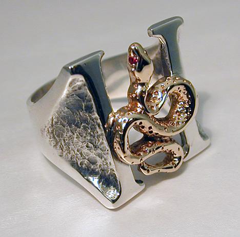 Hugh Dillon's custom Headstones ring.