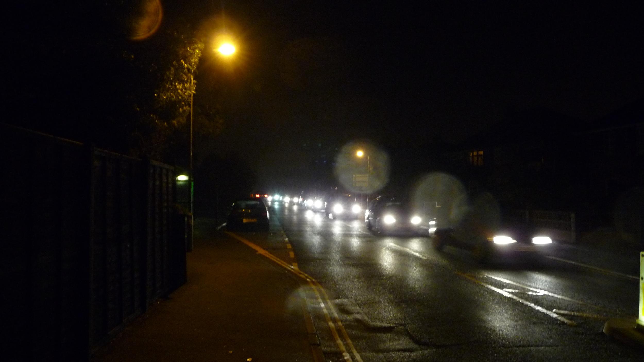 Cowes_Park_Road_traffic_on_Firework_Night_2010_2.JPG