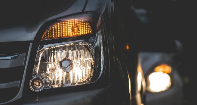 headlights dim.jpg