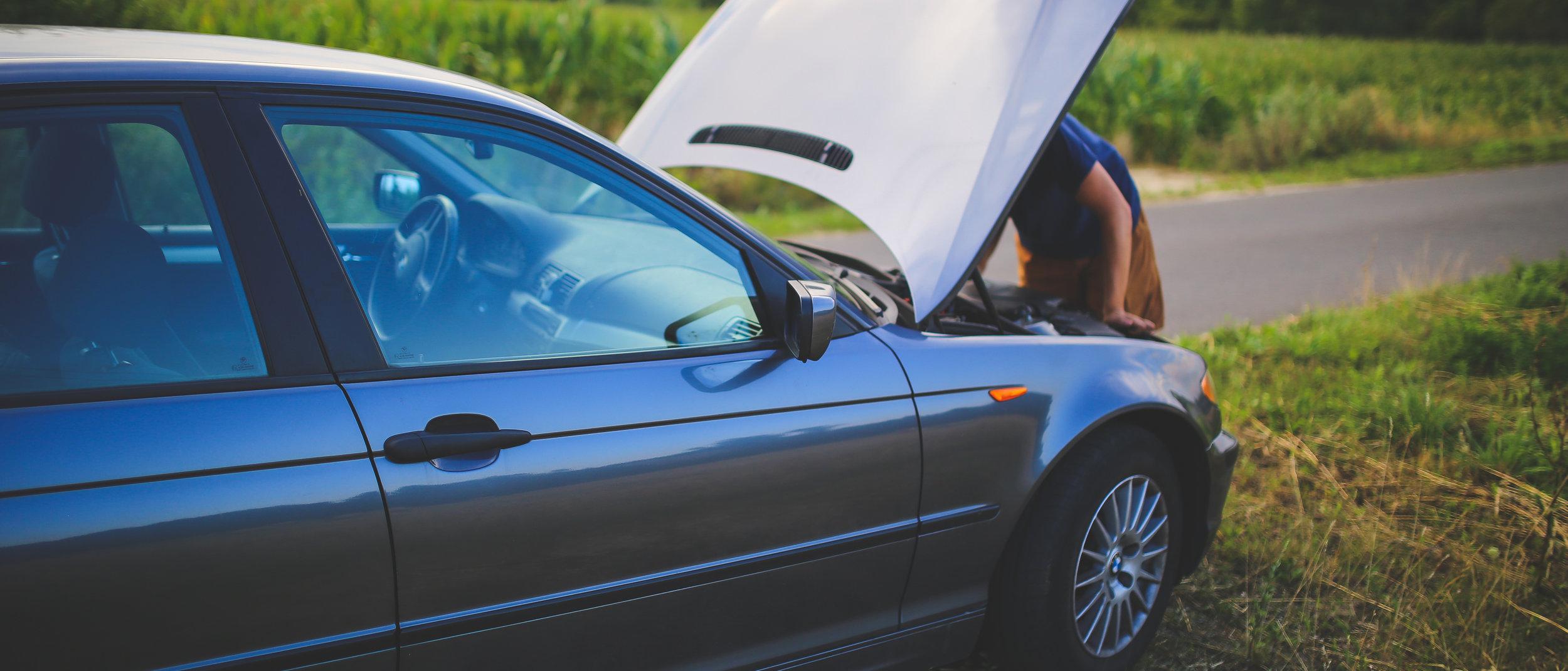 road-man-broken-car-6078.jpg