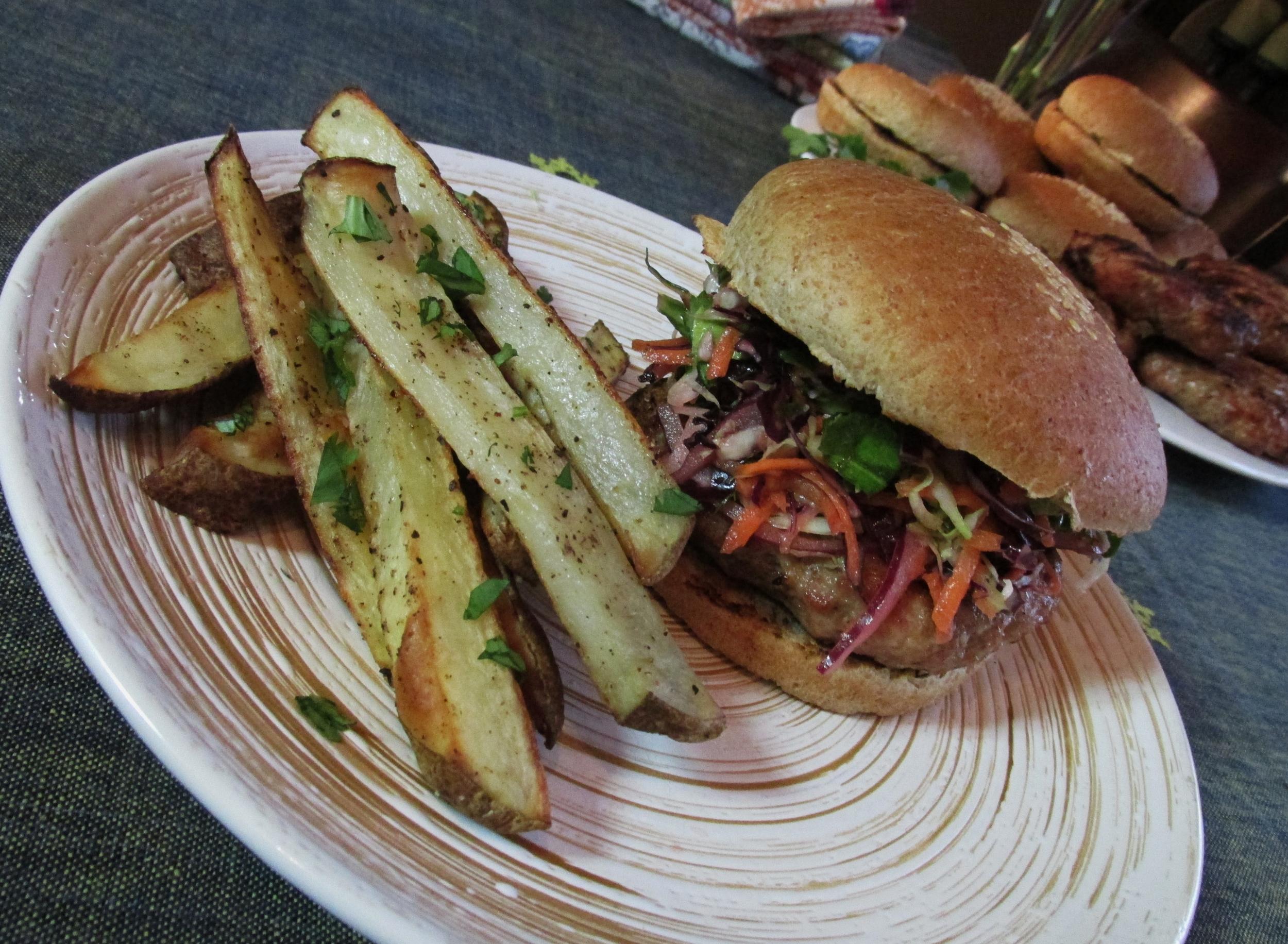 tortilla soup and pork burgers 066.JPG