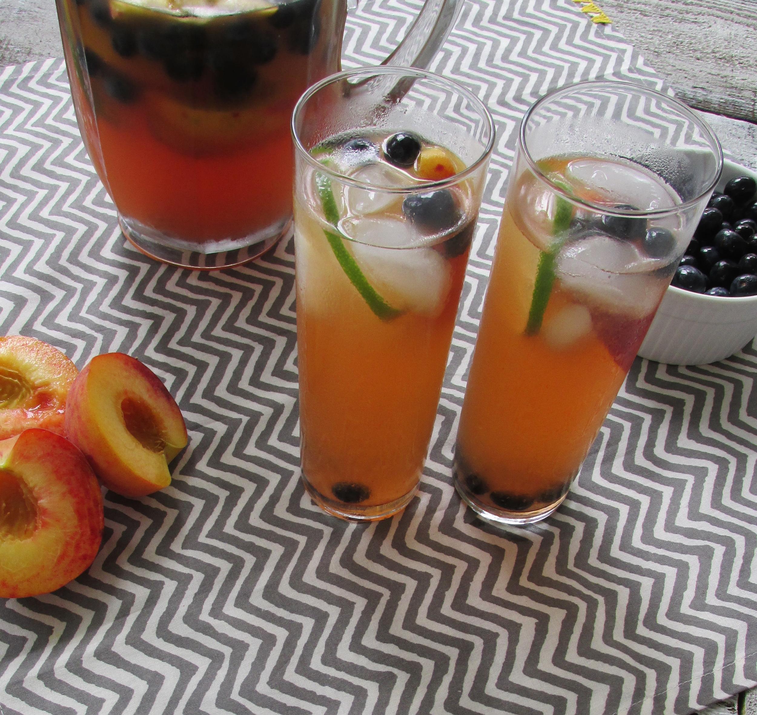 summer peach sangria.jpg