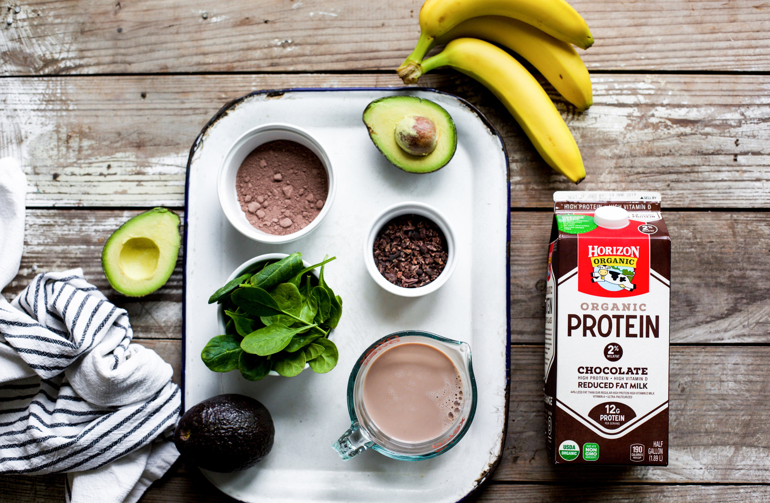 Ingredients to Make a Creamy Avocado Cacao Smoothie