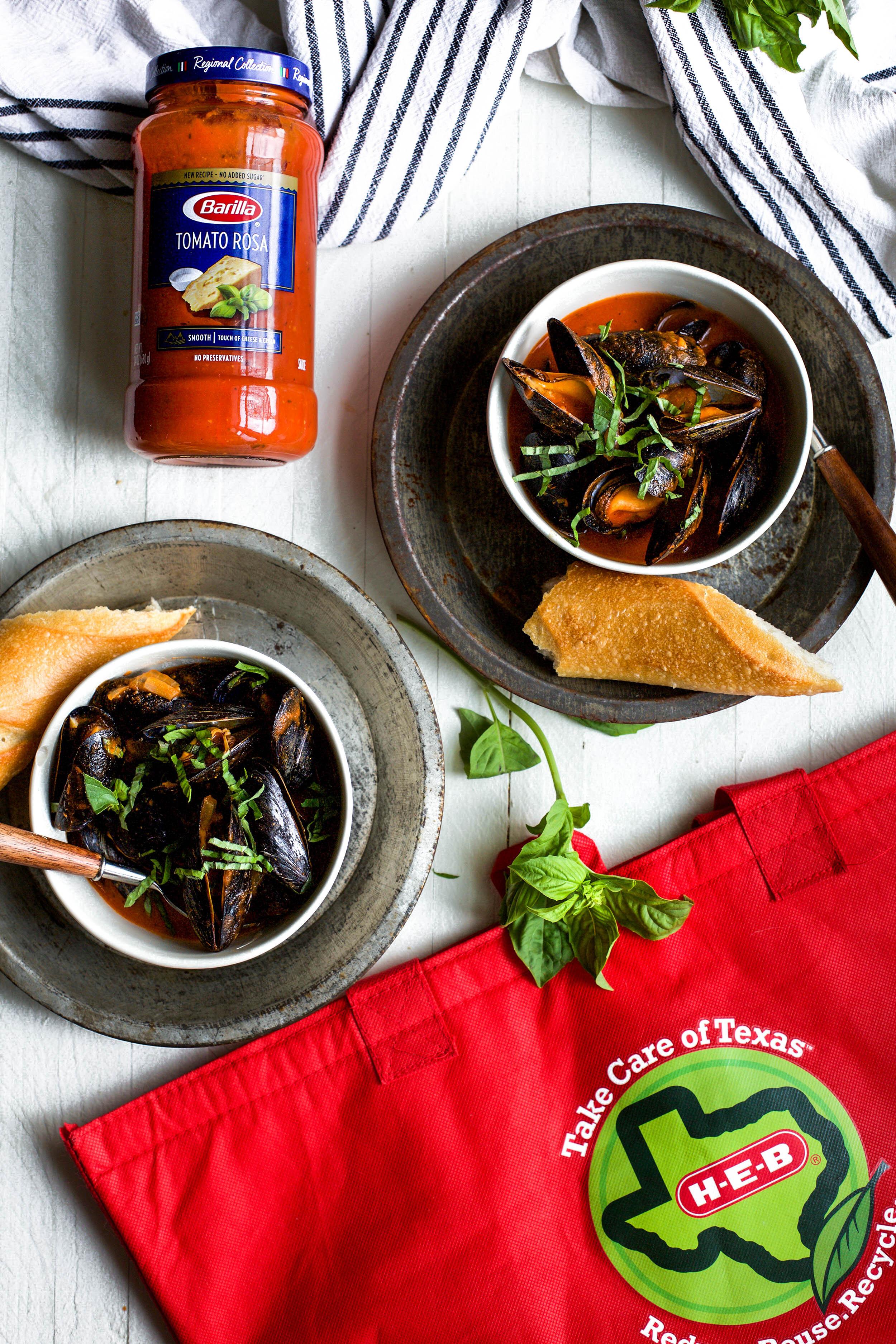 Steamed Marinara Mussels